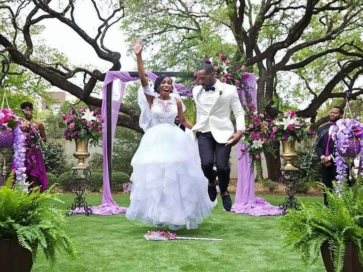 Tmx 1535572318 4e8a7e6cfdc545e3 1535572317 9637f08647291ac3 1535572303620 51 30051773 16940900 San Antonio, TX wedding planner