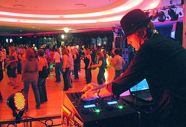 Tmx Dj Mark Anderson Memphis 2 51 1904839 157841828854120 Memphis, TN wedding band