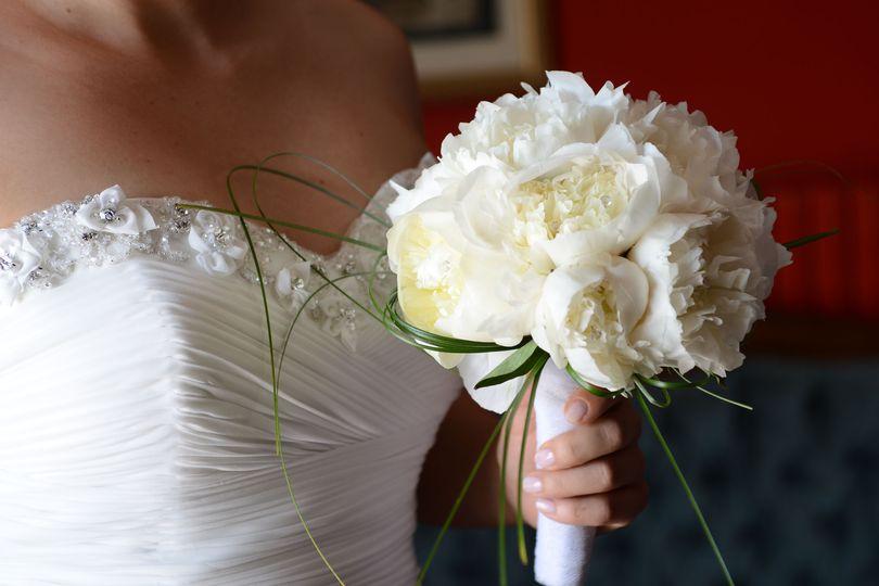 Romantic bouquet, classic bouquet, peony bouquet, white bouquet, bouquest ideas, classic bouquet