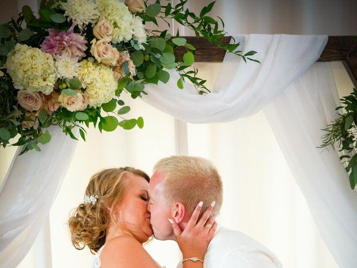 Tmx 108042360 2650216518575447 2024940895972552299 O 51 957839 160347102934063 Eden Prairie, MN wedding photography