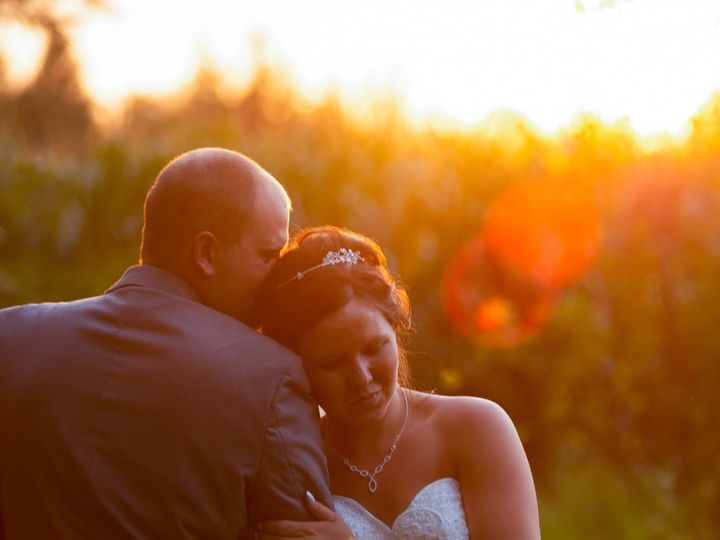 Tmx 117623690 2664571563806609 6367334231821427939 O 51 957839 160347103164288 Eden Prairie, MN wedding photography