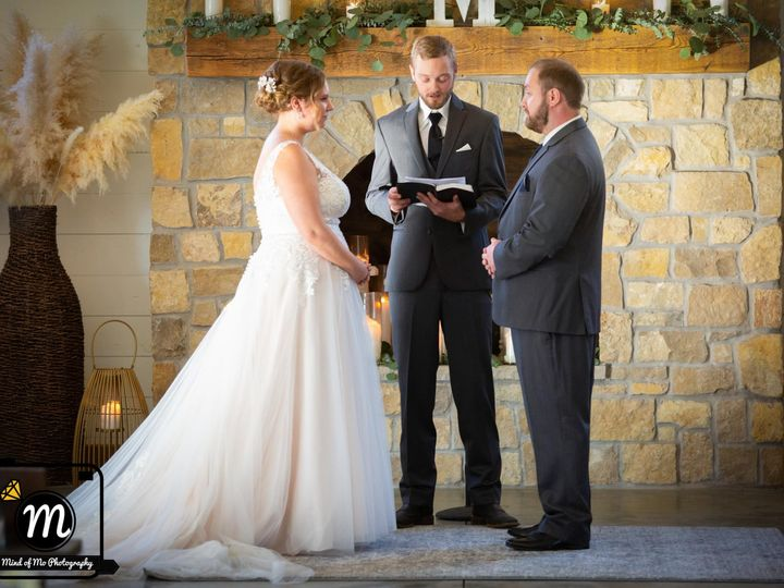 Tmx 121563671 2721160461481052 1460522064122796079 O 51 957839 160347107033543 Eden Prairie, MN wedding photography