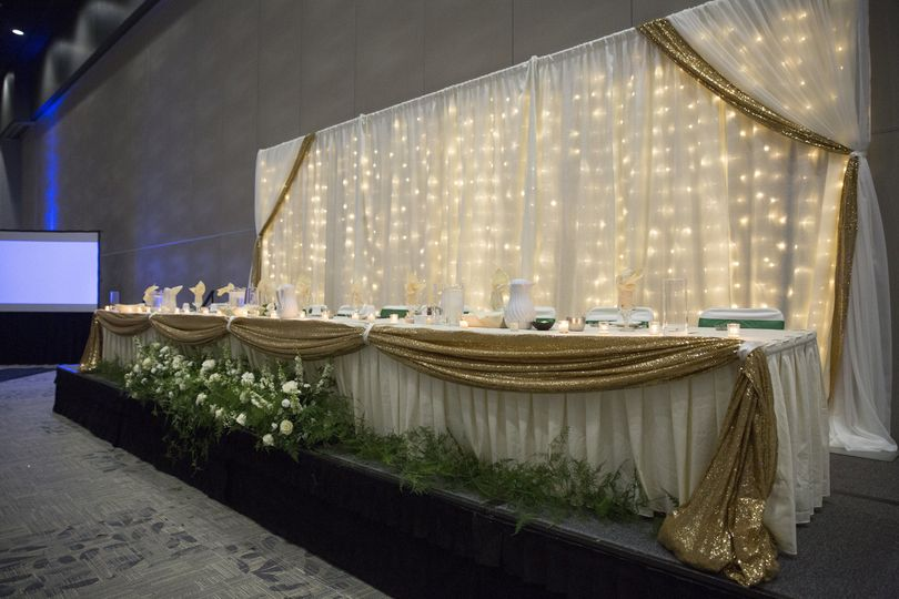 Head table setup and lighting