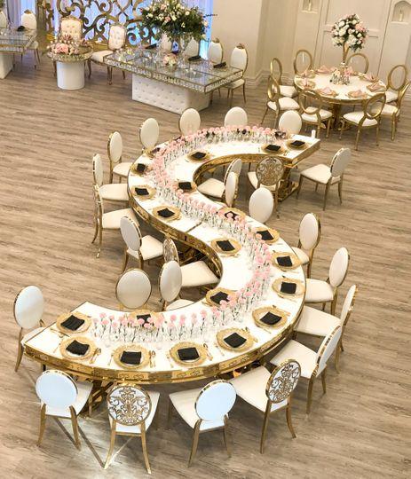 Unique 22-foot s-shape table