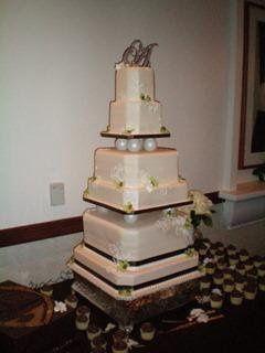 Tmx 1234718297643 100 0024 Murrieta wedding cake