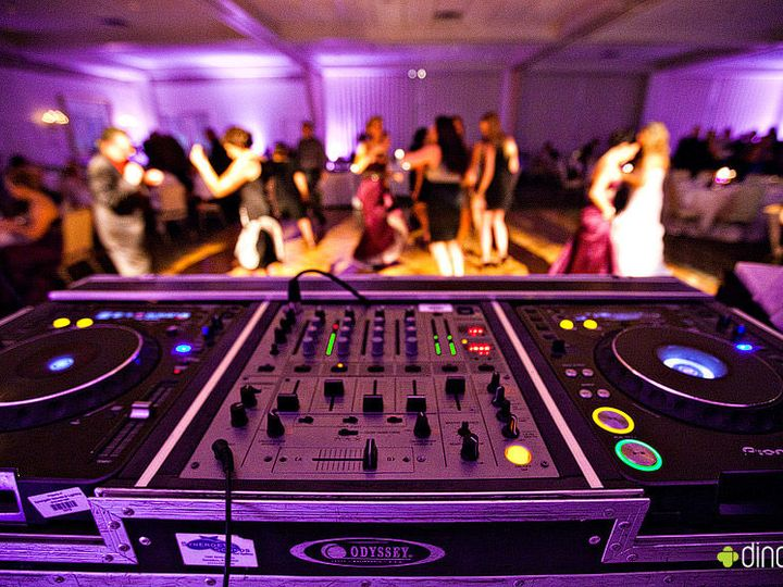 Tmx 1525961176 08468da78c4de071 1525961175 34e45b294d5f4d25 1525961182496 12 Wedding Dj2 Chocowinity, North Carolina wedding dj