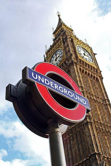 london underground signmjywf8po