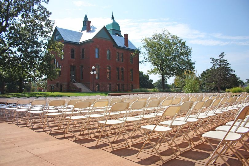 Expansive ceremony space
