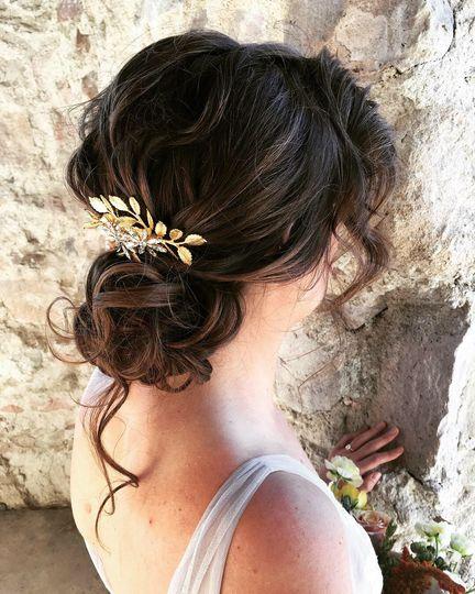 Modern, loose, romantic hairdo