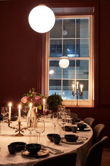 Dining in the Bradmore Room