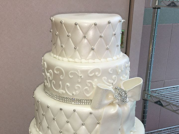 Tmx 1494376219210 Rolled Fondant. Hexagon. Quilted. Bow With Brooch  Bronx wedding cake