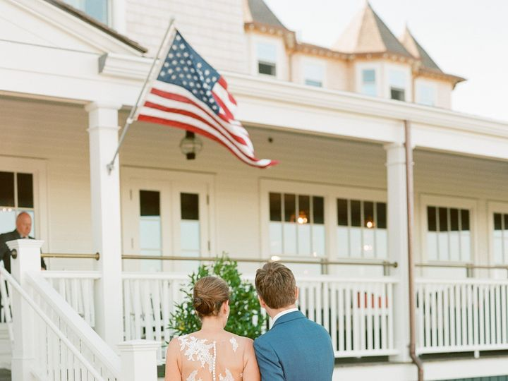 Tmx Emily Chris 323 51 10049 157529841553601 Edgartown, Massachusetts wedding venue