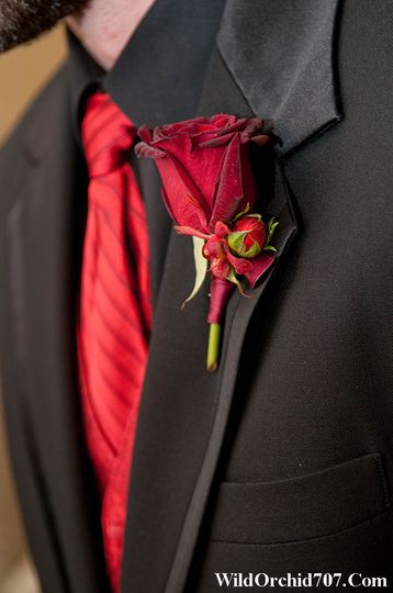 red rose orchid boutonniere vintners inn sebasto