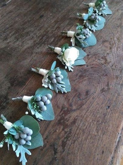 Some pretty cool groomsmen boutonnieres for a cool group of guys. Brunia, a bit of dusty miller &...