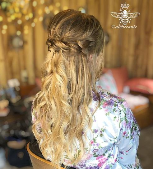 Bridal hair - Beach Waves