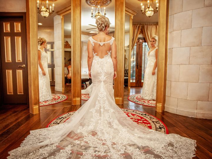 Tmx 1537320934 96ee19c12353cd95 1537320930 9b4d7e4e6c774917 1537320916464 1  MG 0279 T Fayetteville wedding photography