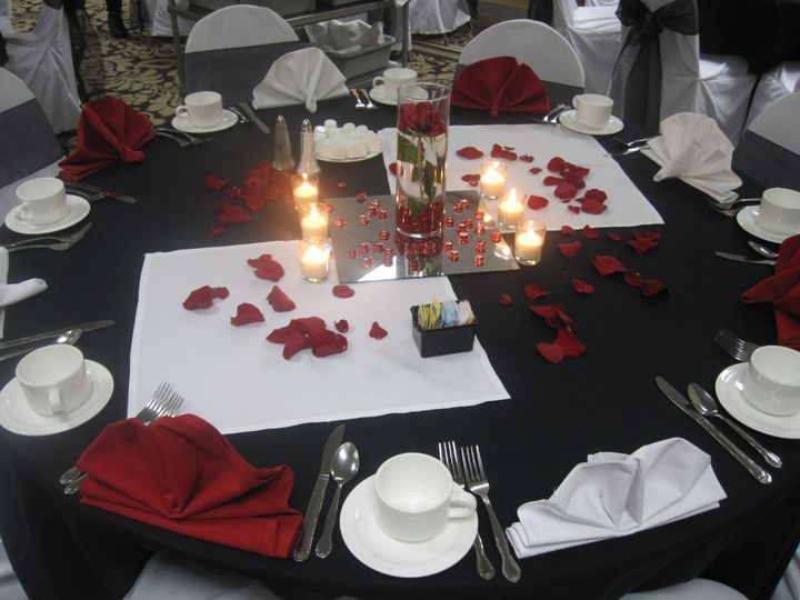 Complimentary centerpieces