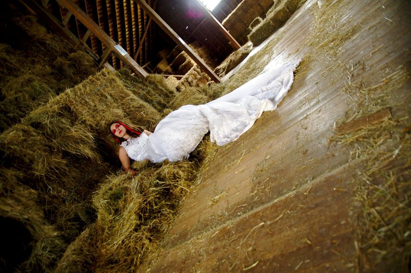 Trash the dress in a barn