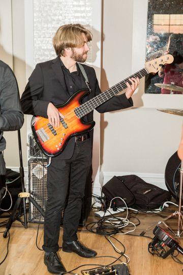 Johnny 5 on da bass!