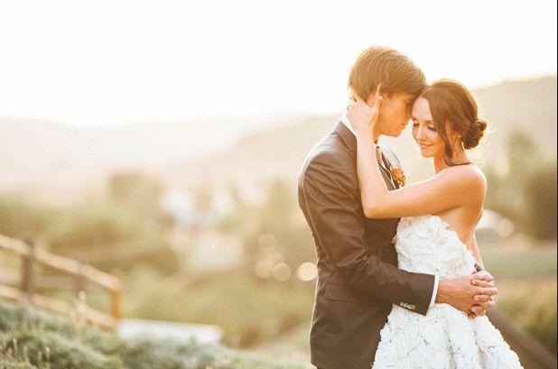 av wedding photos bride and groom pastoral