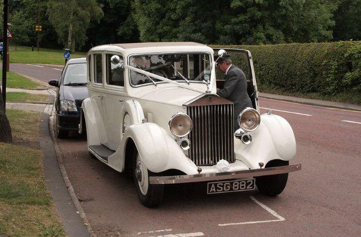av wedding photos limo