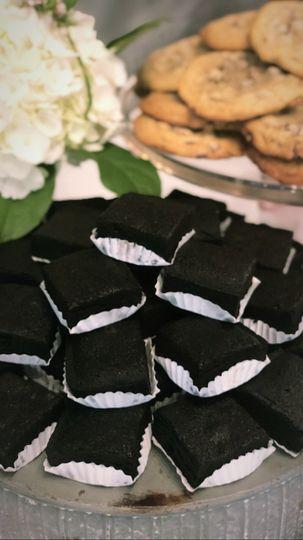 Charcoal brownies plate