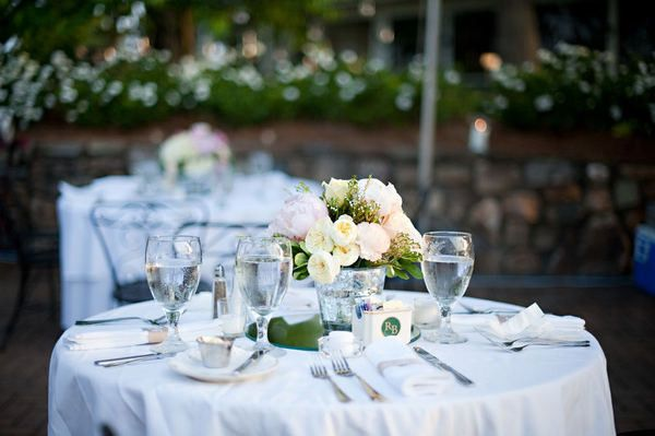 d outdoor table setting
