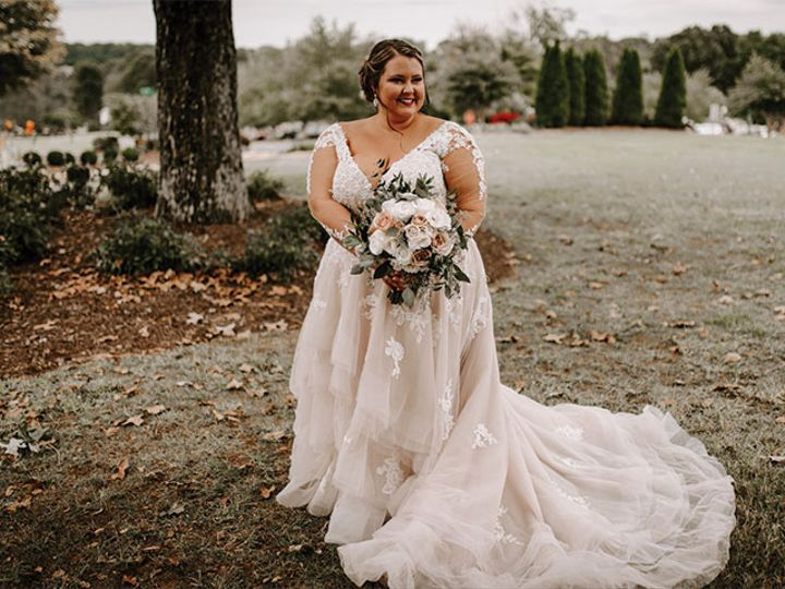 Tmx Sarah Wedding Bride Outside 51 611149 160046364259579 Conover, NC wedding venue