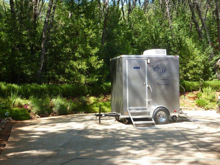 Single stall trailer