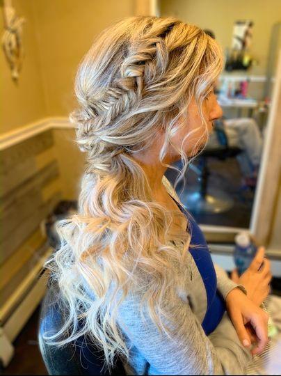 Hair by: The Beauti Box