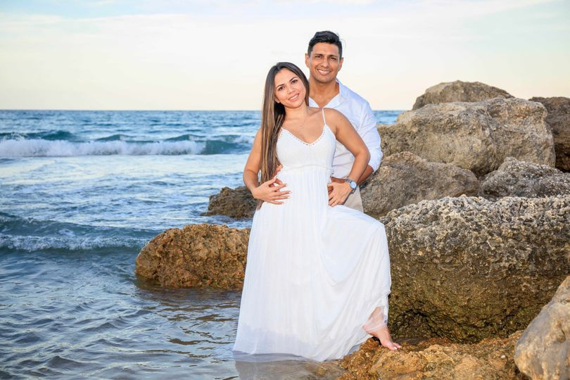 Loving couple - Addiel Photo and Video
