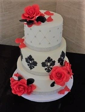 Dani cakes wedding cake houston tx weddingwire 800x800 1488136026669 red white and black damask wedding cake 4 2 junglespirit Choice Image