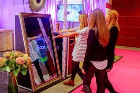 Nashville Magic Mirror Photo Booth