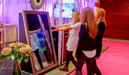 Nashville Magic Mirror Photo Booth 1