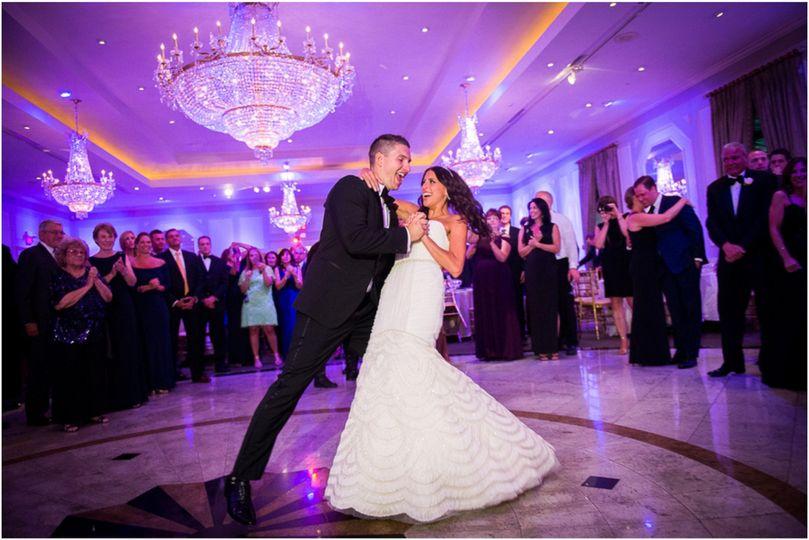 4ab304192686fadb 1477497233572 purple wedding reception
