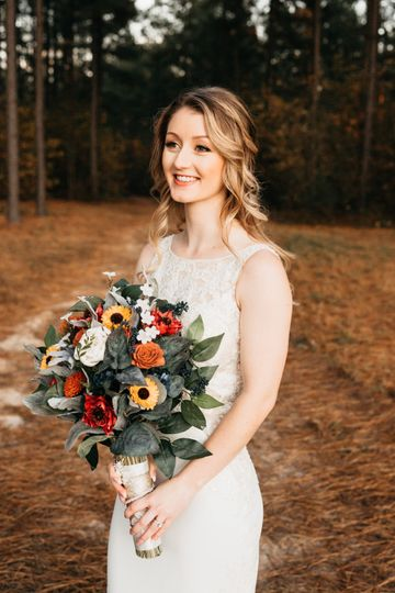 bride with bouquet up closer 51 1037249 158938169976902