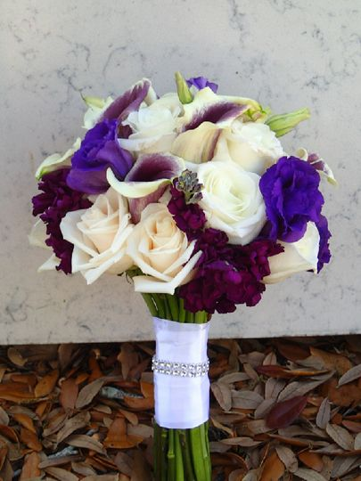 White and violet bouquet