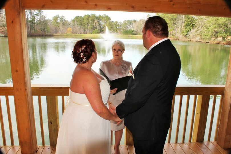 Lakefront wedding