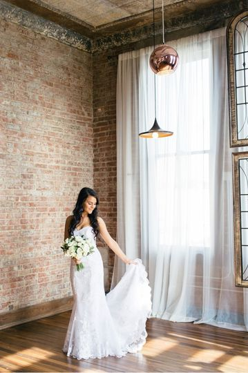 Bride in the washington room