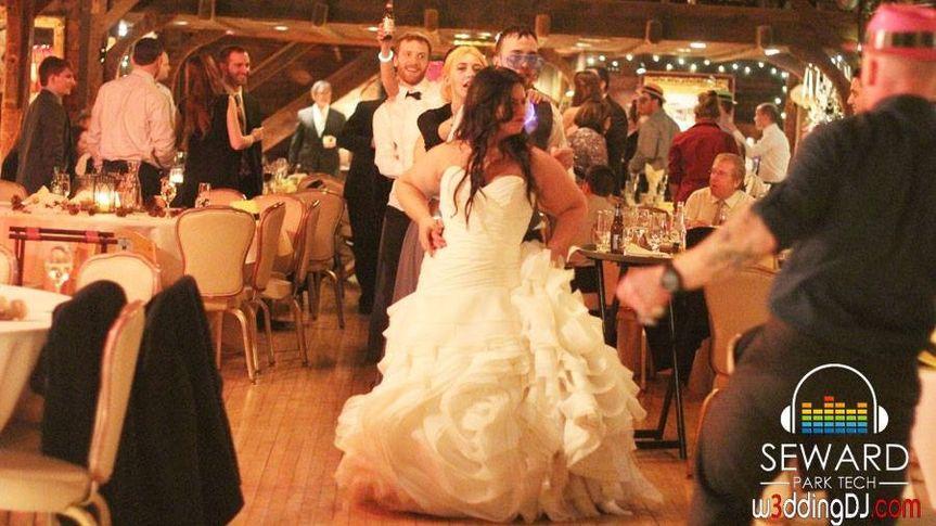 bride leading a dance