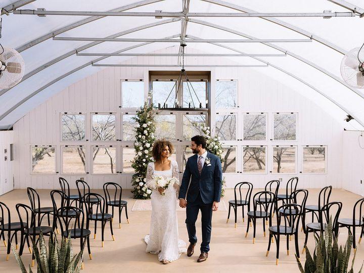 Tmx Austin Wedding Photography Riley Glenn Photography 42 51 1890349 160821452071136 Dale, TX wedding venue