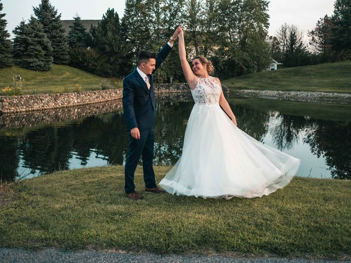 Tmx 2019 11 13 Bailey And Tyler Web 15 Of 18 51 1861349 157739108781527 Milwaukee, WI wedding videography