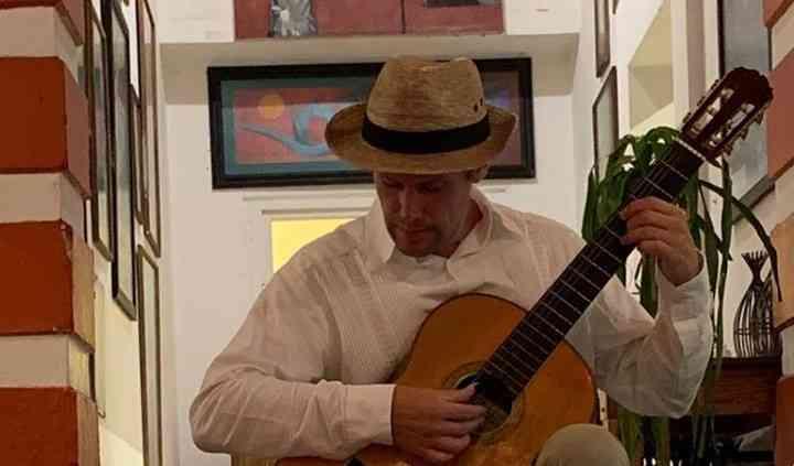 PACO MACHADO - CLASSICAL GUITAR