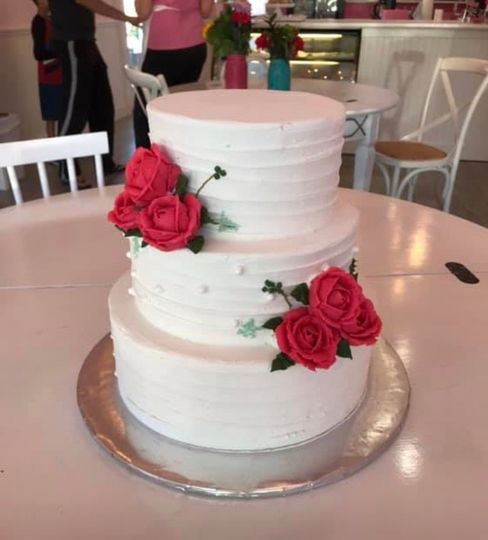 Textured icing with roses