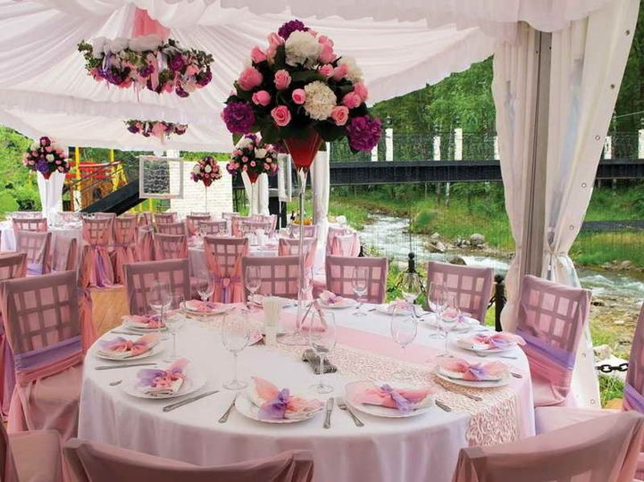 f9a95ed5467094f1 1438527851832 centerpieces for wedding table