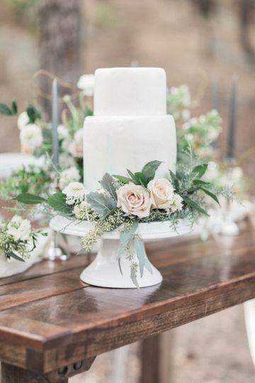 White Fondant Cake with Green