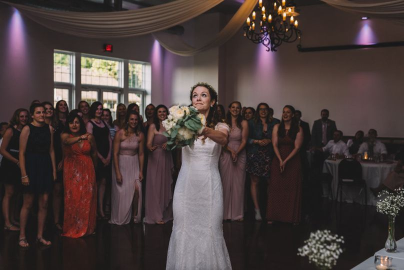 The Barn, Bouquet Toss
