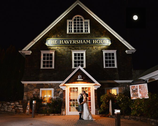 Couple's infront of The Haversham