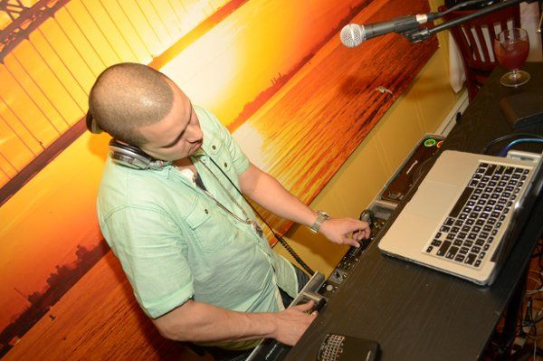 Wedding music DJ