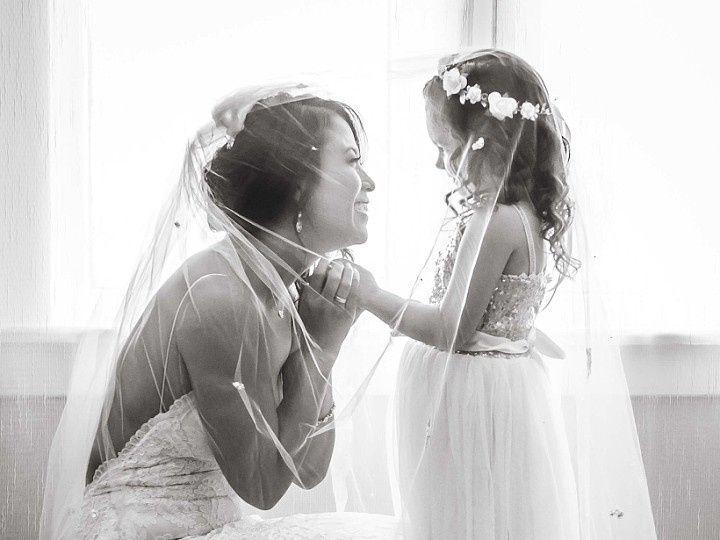 Tmx 1506541328584 Monica.black.white.bridal.room Santa Paula wedding venue